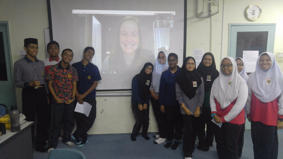 #skypeascientist was awesome! Favourite Qs were &#39;Whats it like to be a scientist? Are you busy?&#39; &amp; &#39;Do people eat #penguins in #Antarctica?&#39;<br>http://pic.twitter.com/fwK7r4cHj7