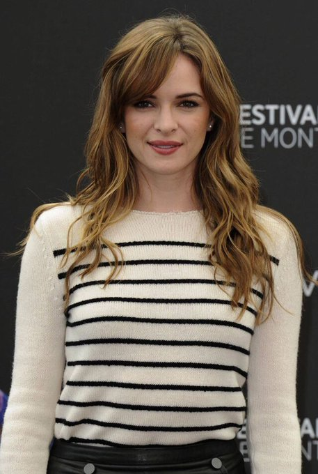 Let\s wish a very happy birthday to Danielle Panabaker who plays on