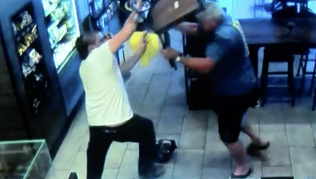 Suspect plans to sue 'hero' who stopped him from robbing Starbucks https://t.co/iQLrQopU7a