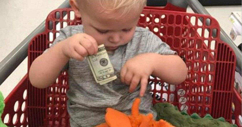 Stranger gives toddler $20 for toys after death of his young grandson
