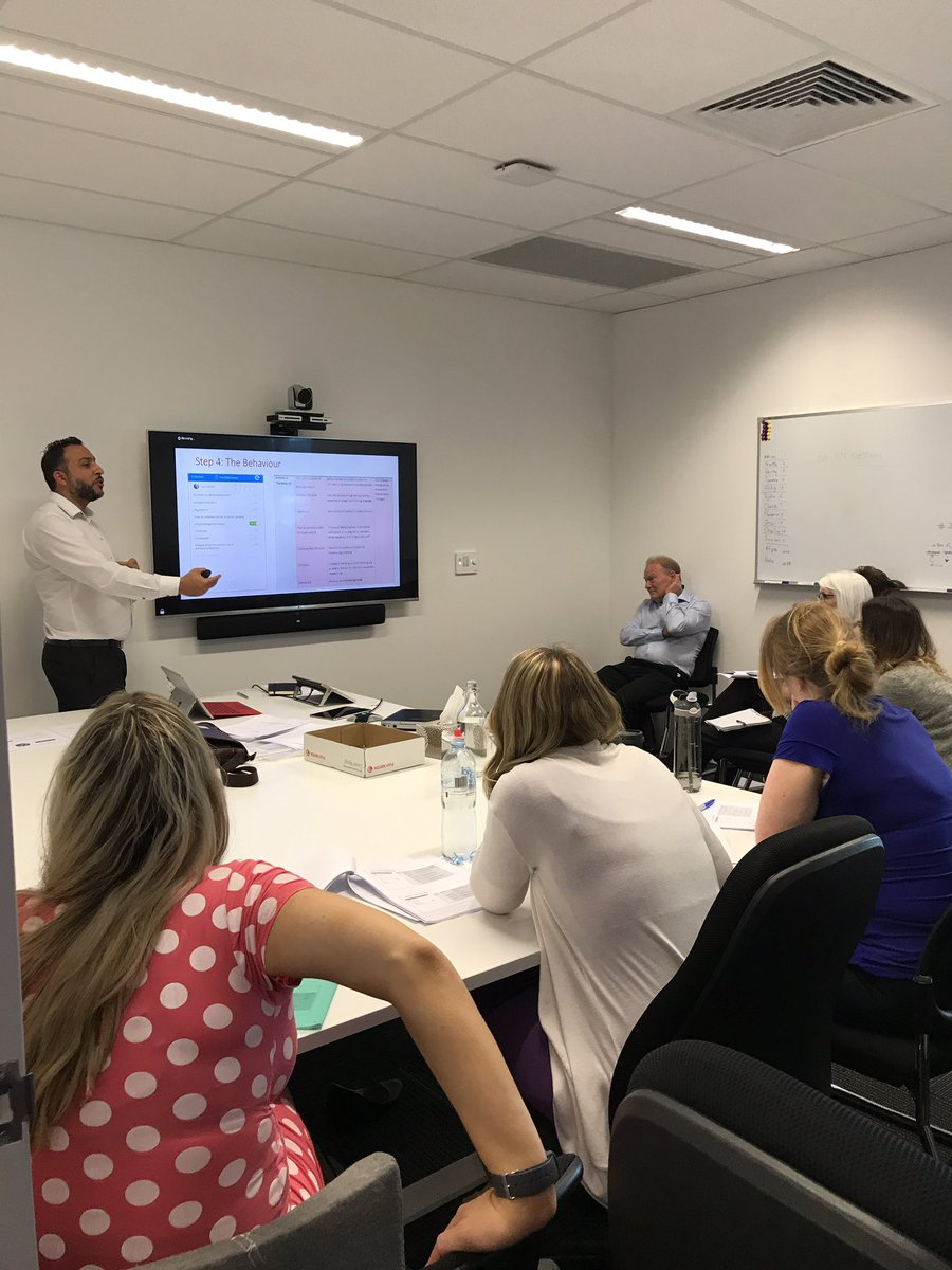 Training #Dementia Support Australia staff #westernaustralia on the @ePAT_Info App #pain ax using #ArtificialIntelligence @Dementia_Centre<br>http://pic.twitter.com/MqvyDQ6utV