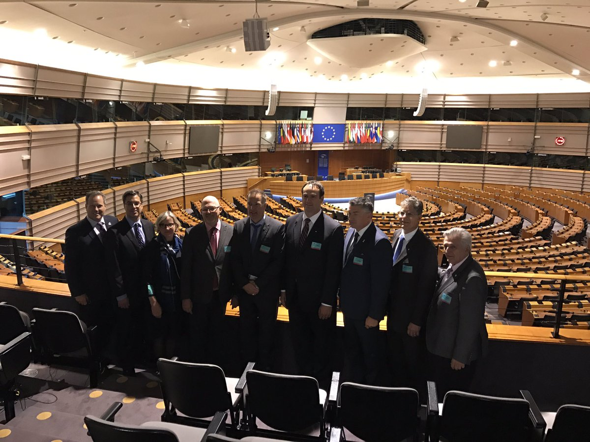 Yesterday I had the pleasure to welcome some lovely Canadian #MP and give them a tour around the @Europarl_EN! They were impressed #canada<br>http://pic.twitter.com/tgk0xMHGxA