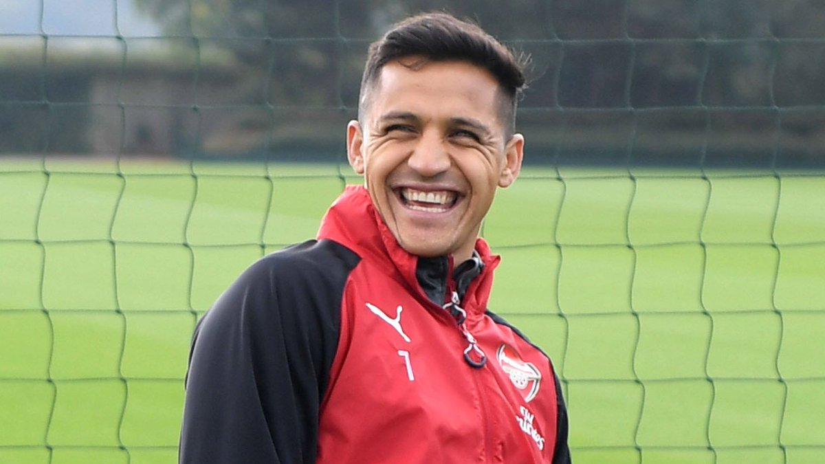 Man United are confident of beating Man City in the race to sign Alexis Sanchez.  Transfer Talk: https://t.co/GC20AiFomZ