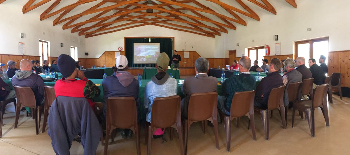 #FirelineSafety training for @OverbergFPA members at @paulcluverwines #WildfireReady #BeSafe @WesternCapeGov @vwsfires<br>http://pic.twitter.com/MBiShKazhE
