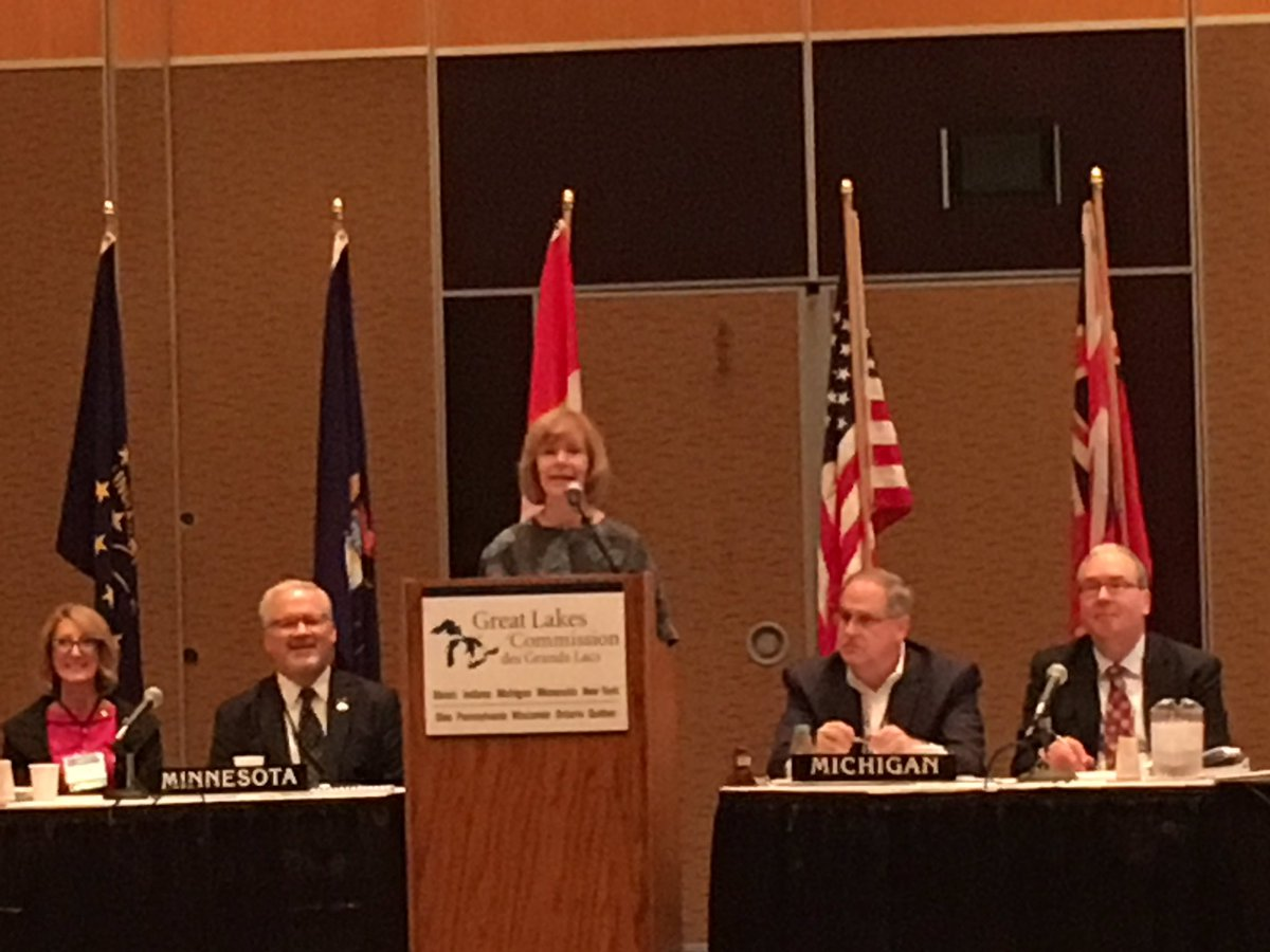 &#39;The #GreatLakes support 1.5M jobs&#39; - @tinaflintsmith. DYK: Bilateral trade between #QC &amp; #MN reached $572M in 2016? #GLCDuluth #NAFTA<br>http://pic.twitter.com/DZoEPBAb1y