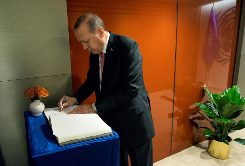 Erdogan says Turkey to consider sanctions over Kurdish independence vote: Anadolu https://t.co/pbNZZs0SnM https://t.co/3IepXTq88u