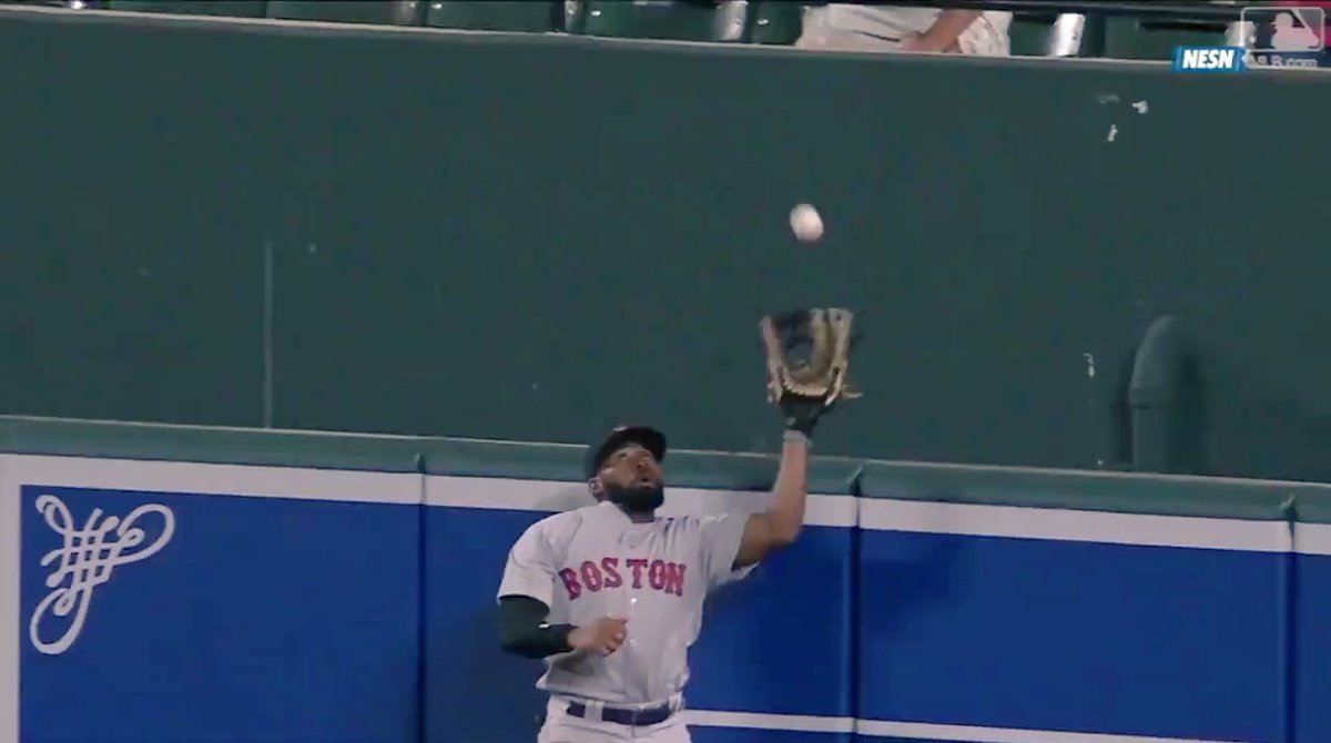 Another long one. Another win. @RedSox are now 15-3 in extra innings, while JBJ robs another batter of a HR attempt.