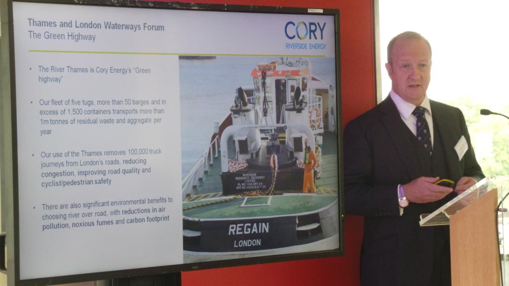Moving more freight off roads onto the #Thames has to be a top priority - @coryenergy CEO Nick Pollard #T&amp;LWFlaunch <br>http://pic.twitter.com/HSAjxqrFFS