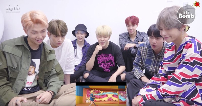 "WATCH: #BTS Can't Help But Stan One Another In Reaction To ""DNA"" MV  https://www. soompi.com/2017/09/20/wat ch-bts-cant-help-stan-one-another-reaction-dna-mv/ &nbsp; … <br>http://pic.twitter.com/ubQvaIcSQ8"