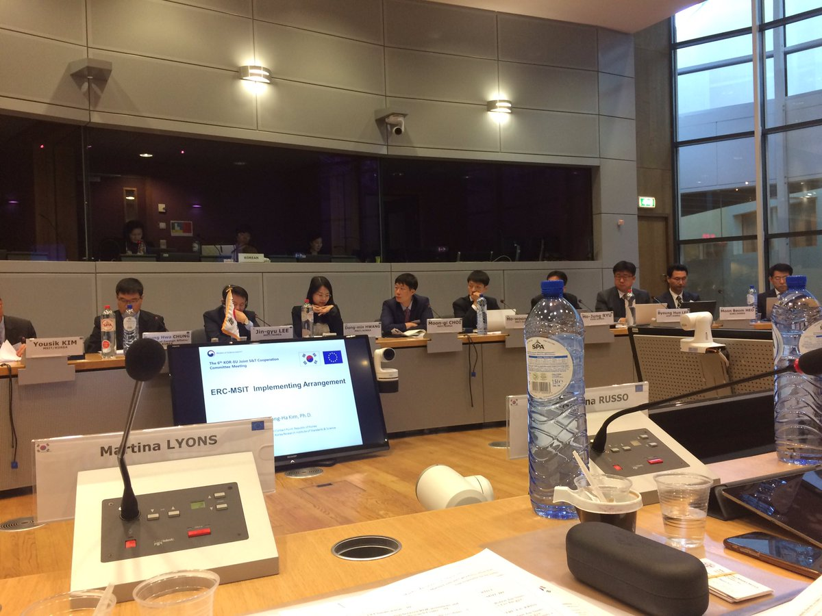 6th #EU #Korea Joint #Science &amp; #Technology meeting on committing to scale up #cleanenergy R&amp;D cooperation #horizon2020 #missioninnovation<br>http://pic.twitter.com/z293iqQHla