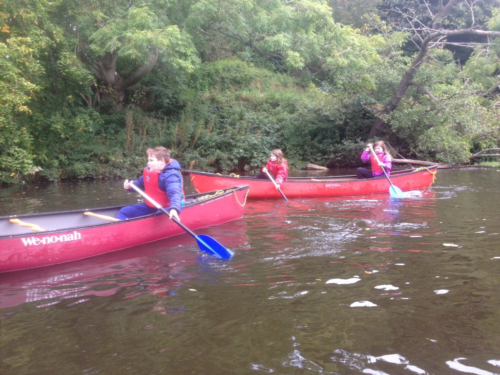 Enjoying the River Tyne with @OrmistonPrimary P5/6 #canoeing #outdoorlearning Enjoying learning by doing. https://t.co/3DoTvRnCx9