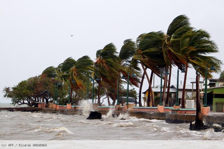 L'ouragan Maria s'apprête à déferler sur Porto Rico https://t.co/EJuWQ4E1xa