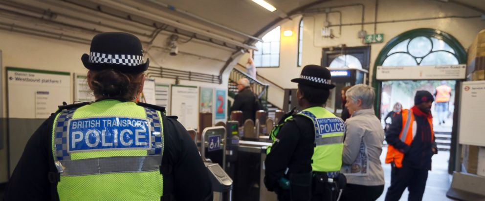 Two more arrested in connection with London subway terror attack: https://t.co/KLOxyGOgGl https://t.co/tR7s4DeZqB