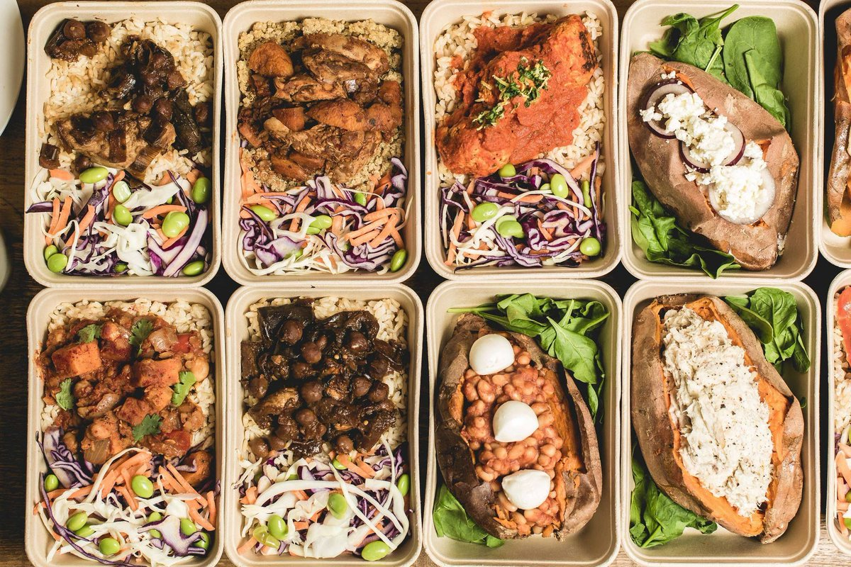 Our grab &#39;n&#39; go food boxes are perfect for those in a rush this lunch time!Packed with nutrition and health.Try them today #Sheffieldissuper <br>http://pic.twitter.com/7S4oLXpUVz
