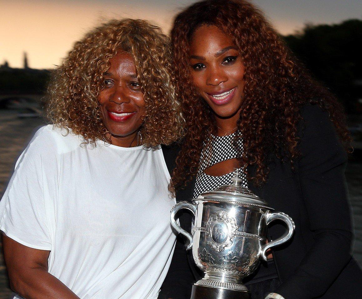 Após ter filha, Serena Williams abre o coração em carta emocionante e agradece a mãe https://t.co/UTIwPG4XL3  #geledes #racismo