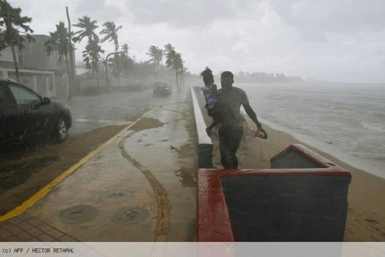 L'oeil de l'ouragan Maria touche terre à Porto Rico https://t.co/VJ8zbrRmDW