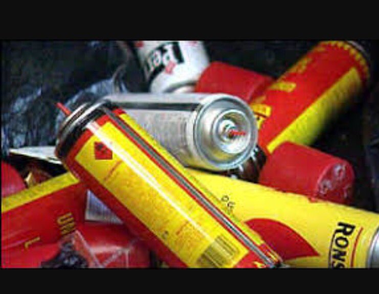 Reports of youths obtaining lighter fuel and misusing it.Working in partnership with local retail stores to stop this#Don&#39;tbefuelish #besafe <br>http://pic.twitter.com/8dcj3WRqq9
