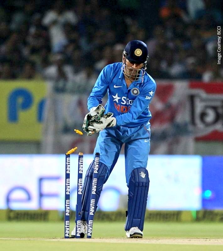 .@BCCI has nominated none other than the legend, @msdhoni himself for the #PadmaBhushan award! An incredible feat for an iconic player! 🚁