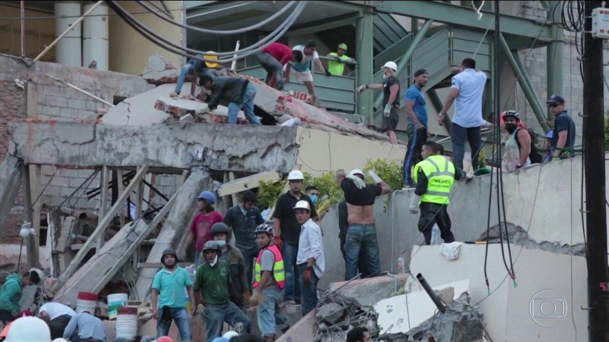 Terremoto deixa mais de 200 mortos no México: https://t.co/G2rMmWjxEL