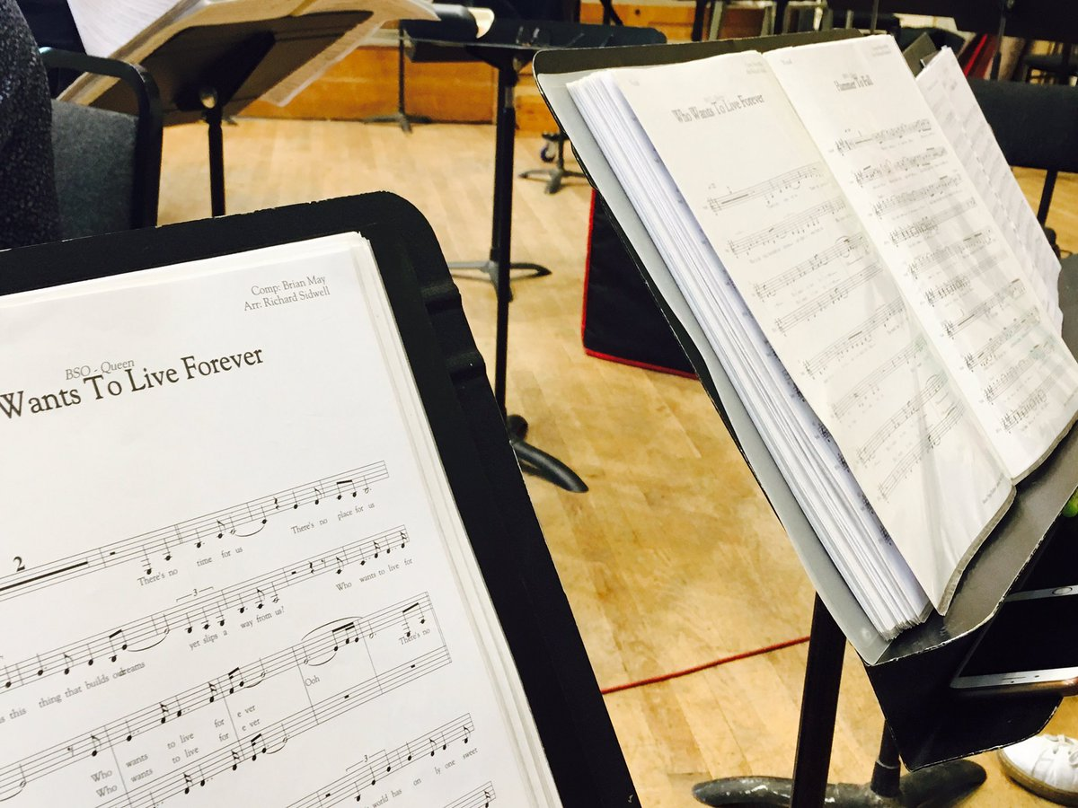 Rehearsal time for tomorrow&#39;s special #fridaynightismusicnight @BBCConcertOrche #Queen @RachaelWooding @michaelfalzon @TBIMedia<br>http://pic.twitter.com/PAV6KYb2ke