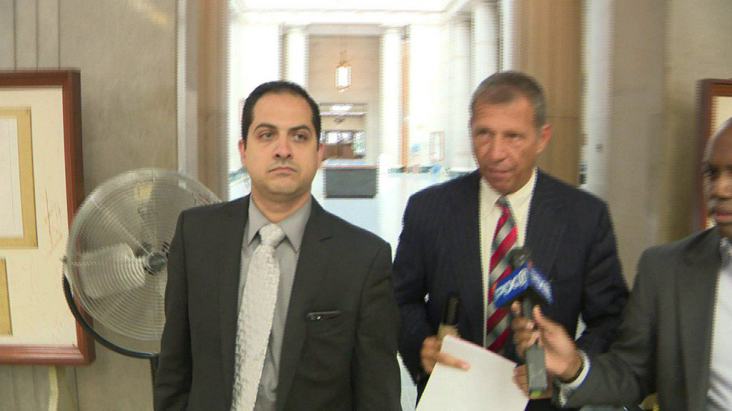 LI car dealership manager indicted for aiming gun at employee https://t.co/4kQwV3xMlr