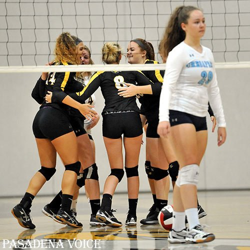 STORY AND PHOTO GALLERY: Read about @NortheastESport&#39;s #volleyball win over @Ches_Athletics -- rematch TODAY:  http://www. pasadenavoice.com/sports/first-d ay-school-northeast-volleyball-defeats-chesapeake &nbsp; … <br>http://pic.twitter.com/fahgJBXMS4