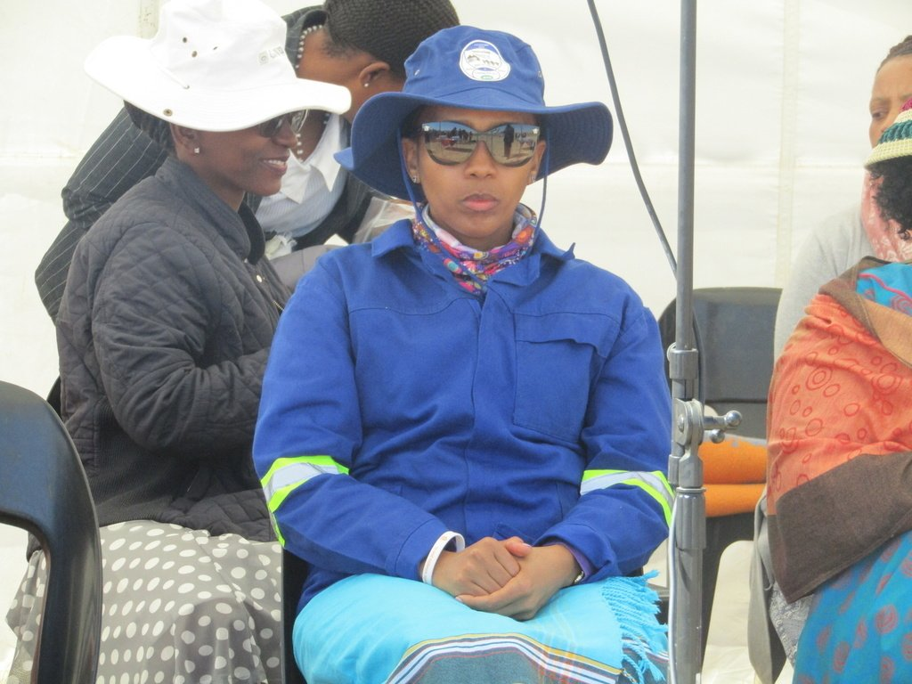 Queen &#39;Masenate Mohato Seeiso urges Basthoto to keep #Lesotho clean.  http:// ift.tt/2xvD4RN  &nbsp;  <br>http://pic.twitter.com/qEfvnKDzjy