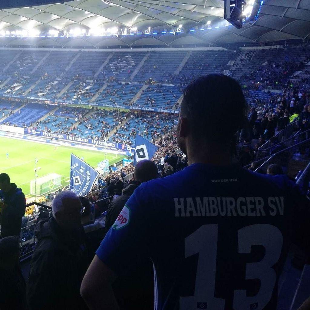 Happiness!! #HSV #nurderhsv @lewisholtby.fanpage #mytree #13 #Hamburg #party #bundesliga #fussball #football #socc…  http:// ift.tt/2w7OdES  &nbsp;  <br>http://pic.twitter.com/PFZ9kZE1zx