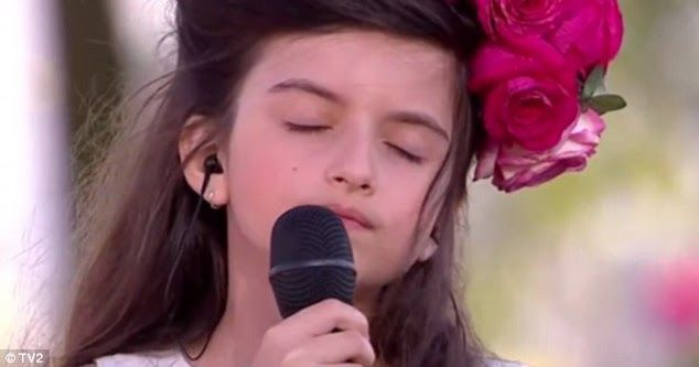 "Angelina Jordan ""What a Difference a Day Makes"" #Love #Romance #NewDay #MusicVideo #DianaMarySharpton  https:// buff.ly/2ftRTKJ  &nbsp;  <br>http://pic.twitter.com/8s6JLa1BnR"