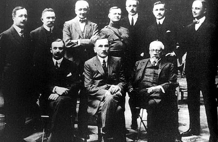 100 years ago the Polish National Committee (KNP) was recognized by #France as the representative of the #Polish nation. #PL100<br>http://pic.twitter.com/yeVBW4B3QE