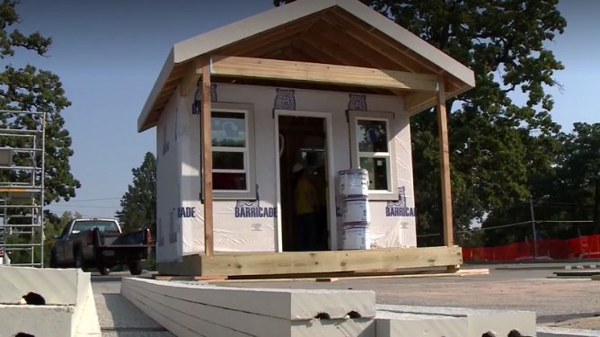 Nonprofit company builds tiny homes for the homeless https://t.co/P2tfU9VIOP