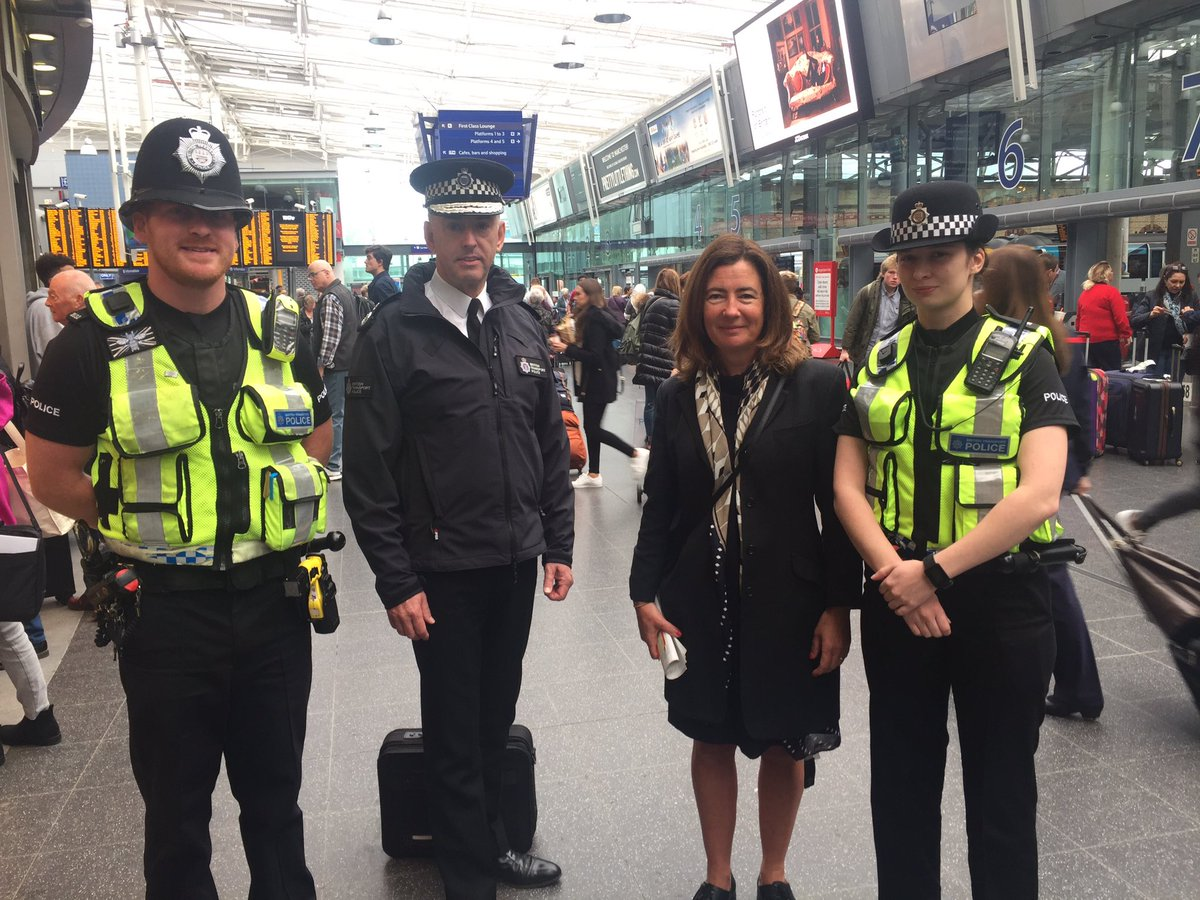 Thank you @BTPChief for keeping Manchester safe and reassured https://...