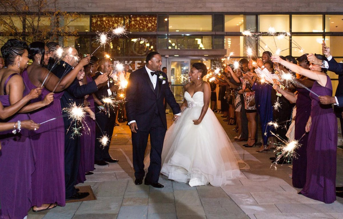 Cottrell And Nile Have A Magical Connection Their Indianapolis Wedding Is Proof Http Trib Al Radqe8x Bridalblis Twitter Hiaejdnwdb