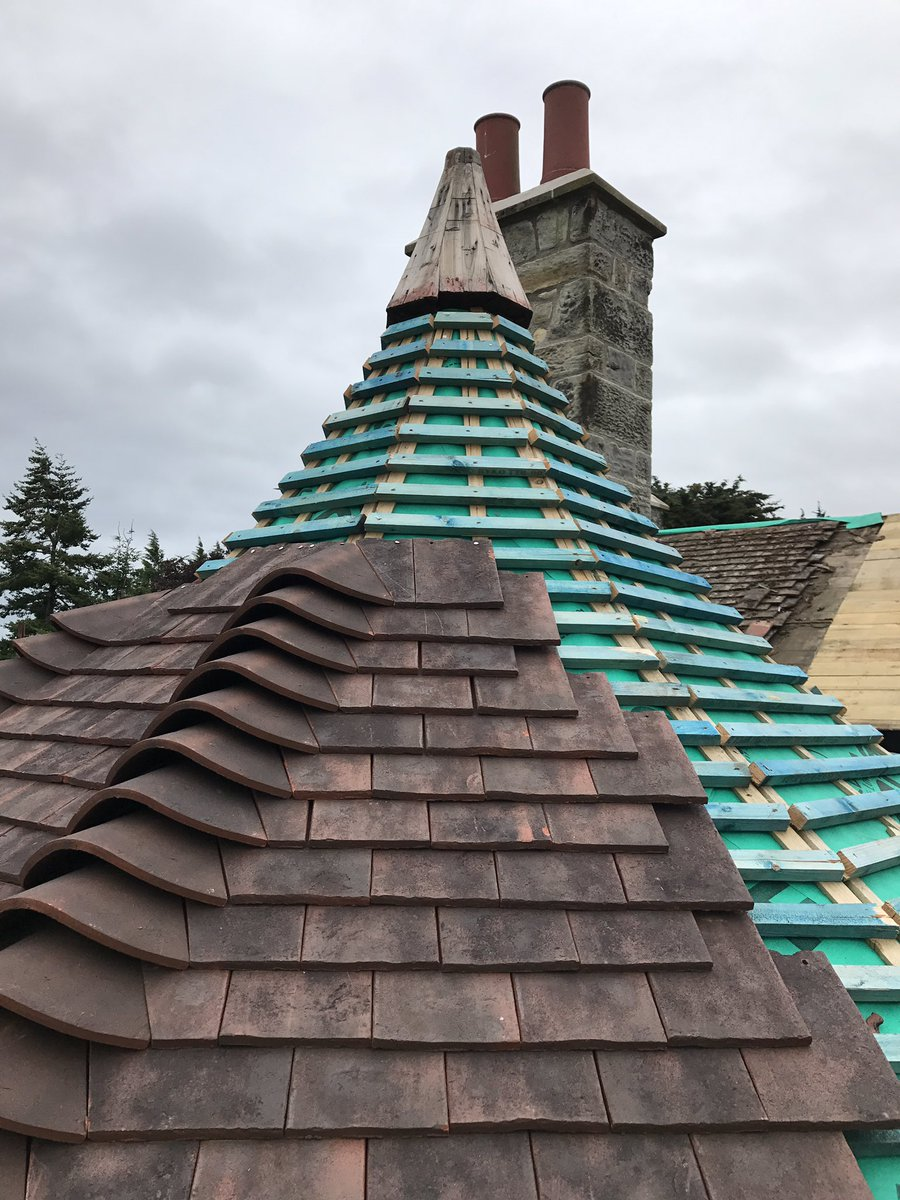 Your roving chairman is in #StAndrews this afternoon check out this #OctagonalRoof being #Restored #Refurbished on our £2.2m #Restoration<br>http://pic.twitter.com/CMoGuBuGLp