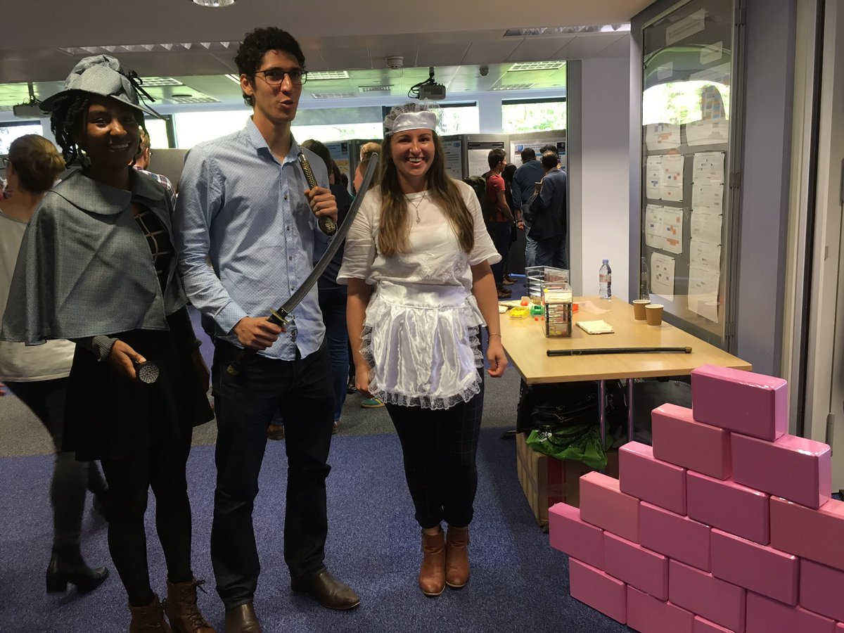 More outreach at the @MRC_HIU day- a dendritic detective, t-cell ninja &amp; macrophage maid, an @MRC_HIU contribution to #CuriosityCarnival <br>http://pic.twitter.com/qgvNvq2WSj