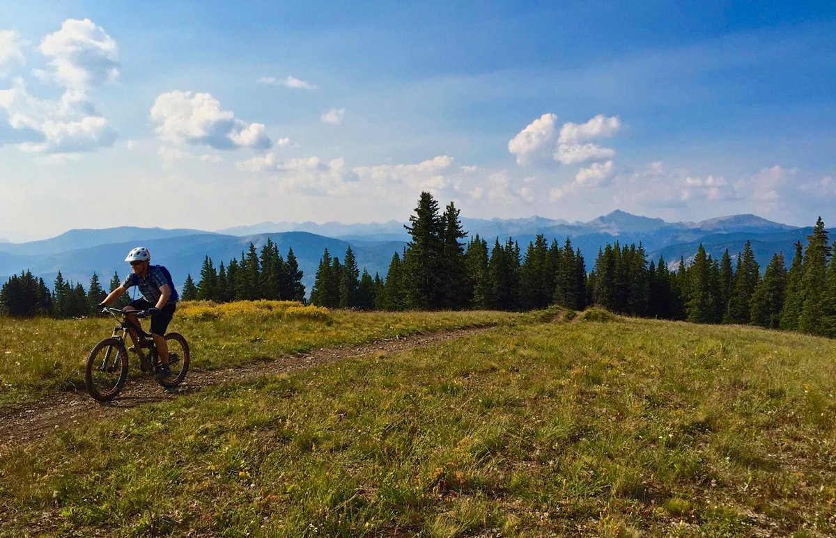 The 10 Best Mountain Bike Trails in Gunnison National Forest  https:// buff.ly/2jMugBQ  &nbsp;   #Mountainbiking <br>http://pic.twitter.com/HiMeKYXkrB
