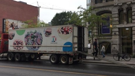 Cyclists take to social media to call out vehicles that block bike lanes https://t.co/P6ztaiYugF https://t.co/HNqSxXBJg6
