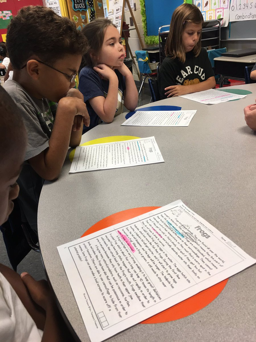 Coding helps Ss track imp points in nonfiction text. Partnering to navigate = success @TCBOE_LES #LeadingTheWay <br>http://pic.twitter.com/WPDzZ321qR
