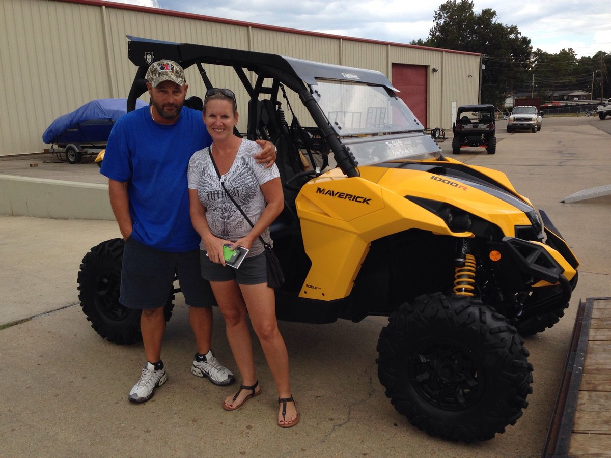 Congratulations to James and Debbie Napoli from Navarre, Fl for purchasing a 2015 Can-Am Maverick 1000R from Hattiesburg Cycles. #canam <br>http://pic.twitter.com/uLUGCwSj3v