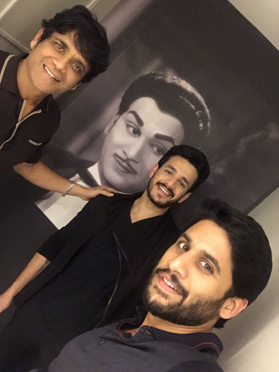 What a selfie to show the world #ANRLivesOn! In @iamnagarjuna, @chay_akkineni &amp; @AkhilAkkineni8, the legend&#39;s spirit is amongst us! #Respect <br>http://pic.twitter.com/gFZtlOzqWn
