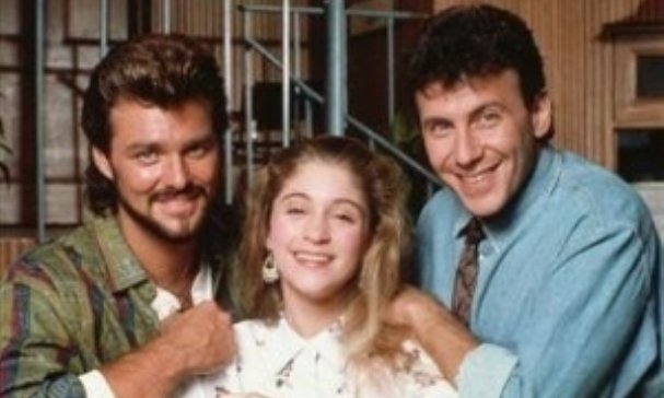 Sept 20, 1987, My Two Dads debuted on NBC. #80s Ran 3 seasons &amp; 60 episodes. <br>http://pic.twitter.com/cIjM9sOx2o
