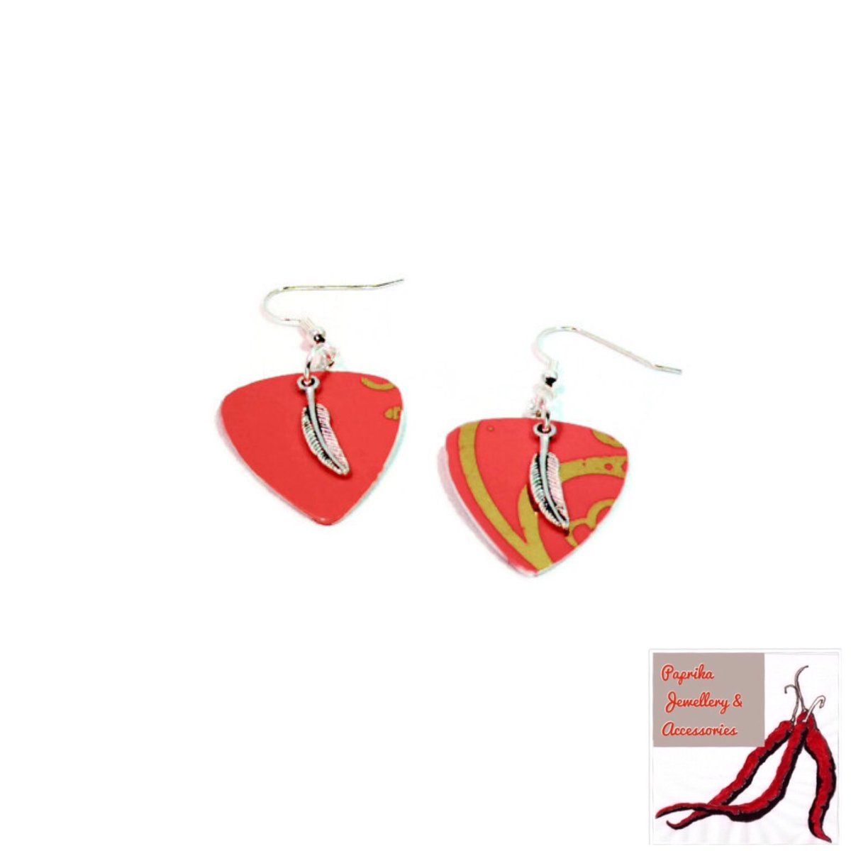 @WhatsNewRae #Womaninbiz  Do you like to stand out from the crowd?  https://www. consciouscrafties.com/handmade-gifts /recycled-plectrum-earrings-feather-charm &nbsp; …  @ConsciousCrafty #wnukrt #bohojewelry #upcycled <br>http://pic.twitter.com/WDG80WHIhC