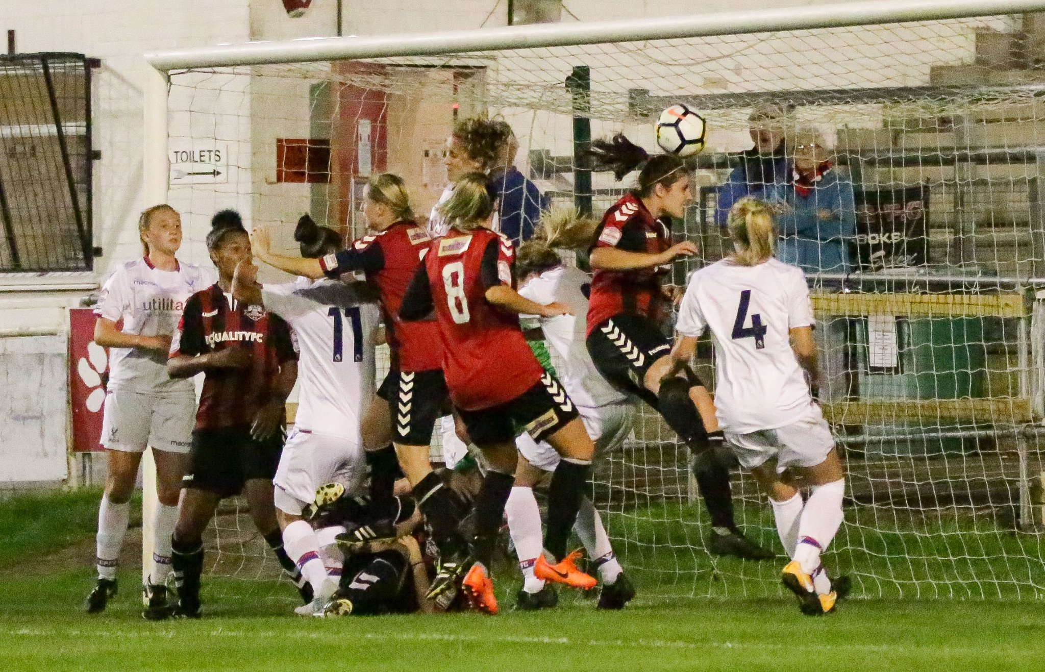 Danni Lane scores the winner for Lewes against Crystal Palace, Sep 20 2017 (Photo: James Boyes)