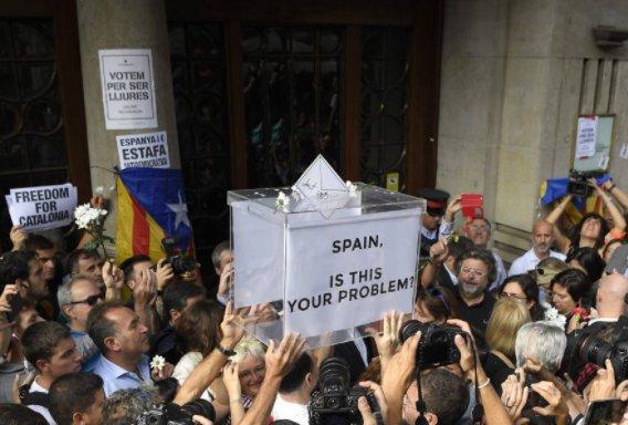 Non sono un sostenitore dei nazionalismi, ma chiedo libertà immediata per i 14 politici catalani arrestati. https://t.co/22V5ynp3Rd