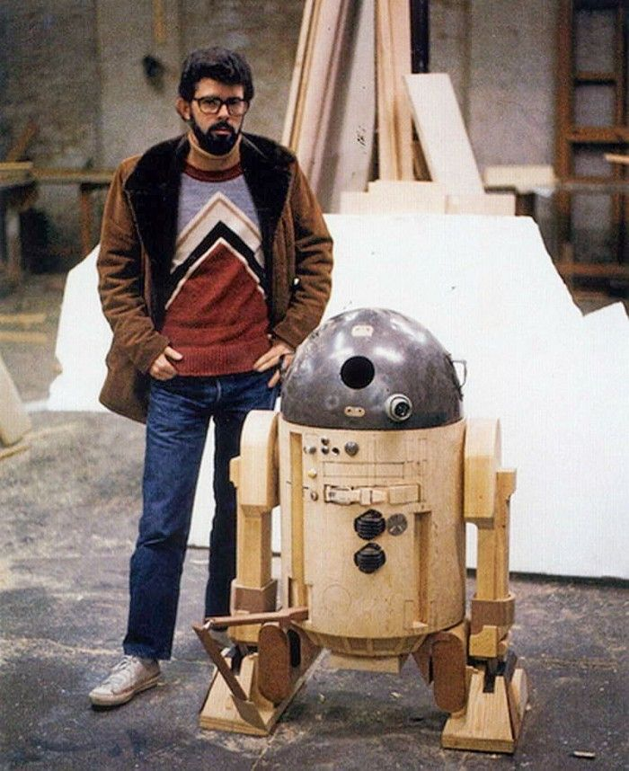 George Lucas with an early model build of R2-D2 #StarWars <br>http://pic.twitter.com/4xBYkmwM7d
