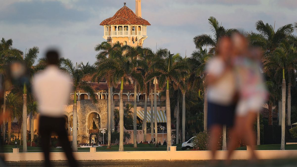 Groups want Trump to account for sparse release of Mar-a-Lago records https://t.co/EBvW1OBrD0
