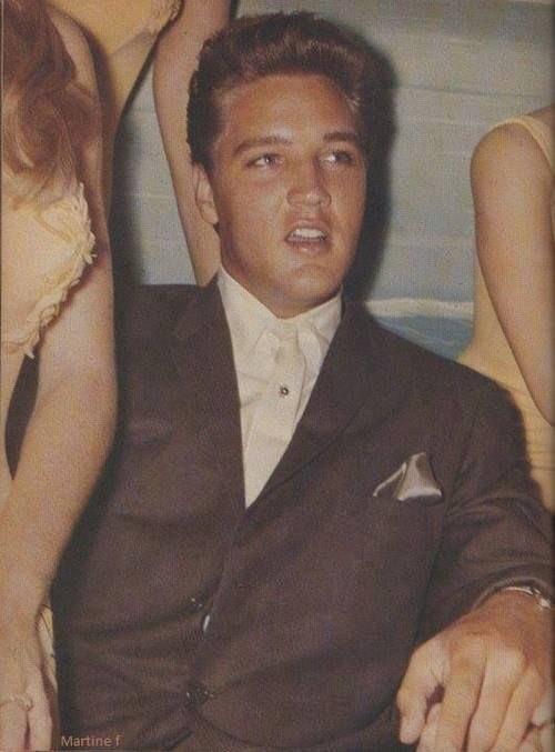 Our wonderful man au naturel #Elvis #ElvisHistory <br>http://pic.twitter.com/ABFBhuV8Tb