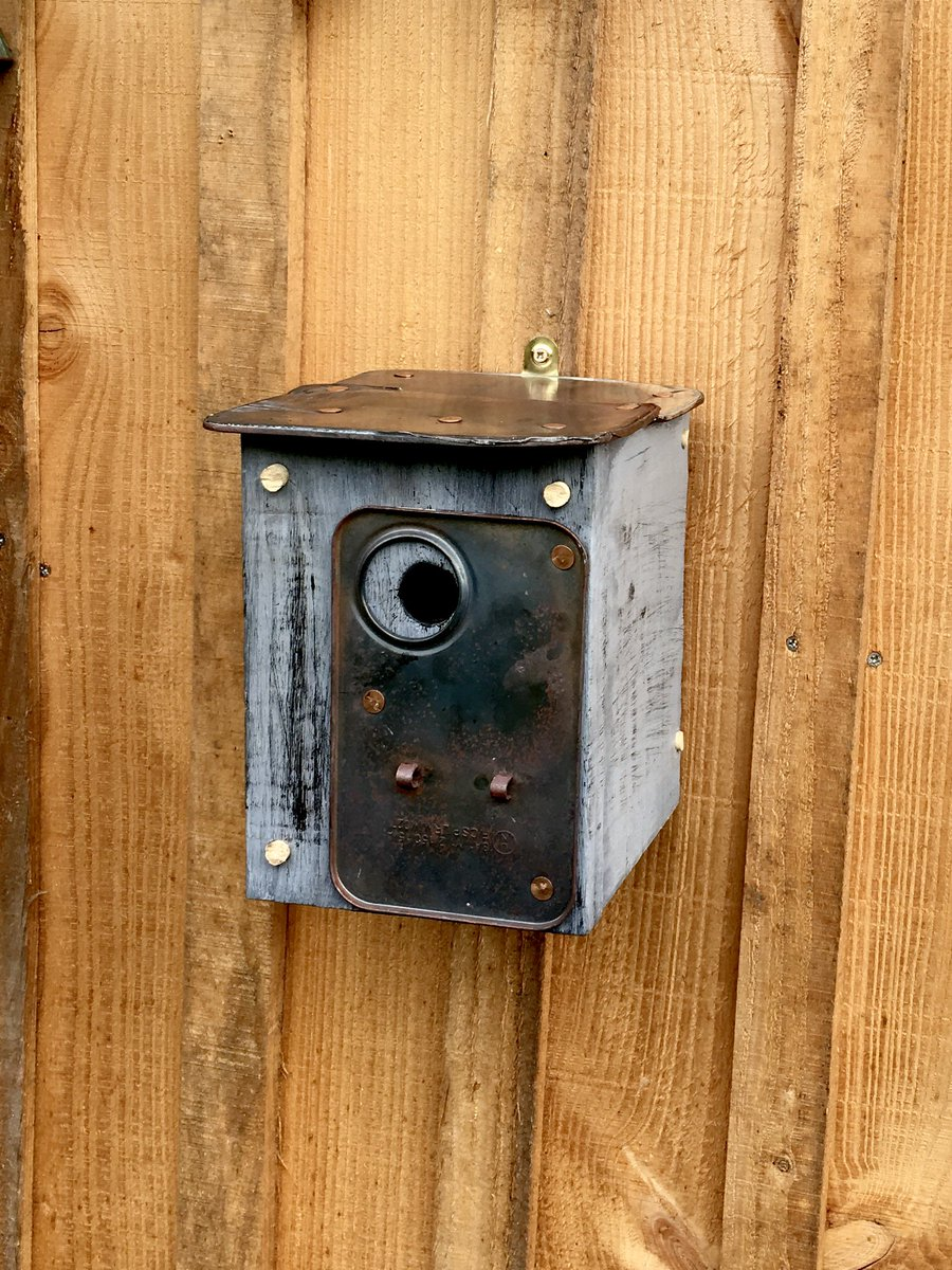 This bird house was #crafted from reclaimed materials @EtsyUK   https://www. etsy.com/uk/listing/558 646263/bird-box-upcycled?ref=shop_home_active_1 &nbsp; …    #midlandshour #handmadehour #devonhour #Upcycled <br>http://pic.twitter.com/tMFdaf5WeM