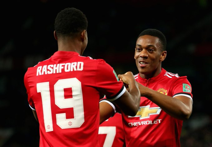 He&#39;s  finally  smiling. ...best pic ever  #MUFC @AnthonyMartial<br>http://pic.twitter.com/7l91wpTwIv
