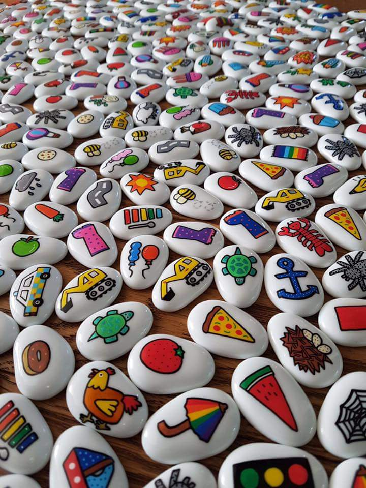 Which stones would be the most popular in your house and make the best stories?#HandmadeHour <br>http://pic.twitter.com/kVMK4VhcB0